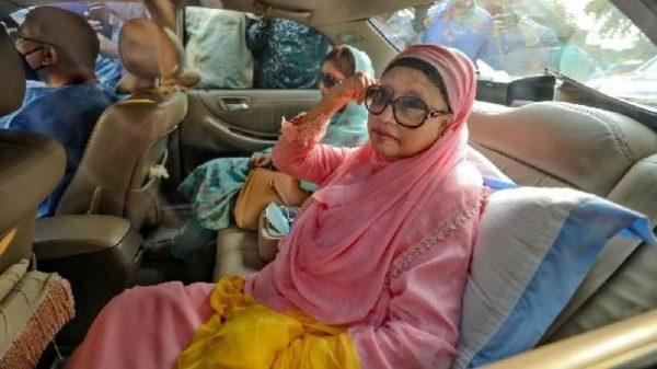 খালেদা জিয়াকে সরকার অনুমতি না দেয়ায় এখন বিশেষ 'উপায় খুঁজছে' : মির্জা ফখরুল